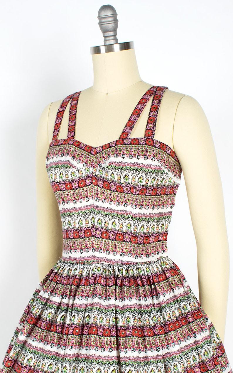 x-small 50s Floral Striped Cotton Sundress Criss-Cross Straps Full Skirt Day Dress Vintage 1950s Dress