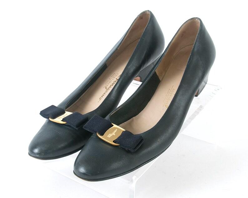 5e014fe6fc3 Vintage Shoes SALVATORE FERRAGAMO Vara Navy Blue Leather Bow