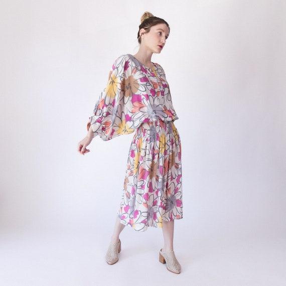 Vintage 80s floral pastel dolman batwing midi dres