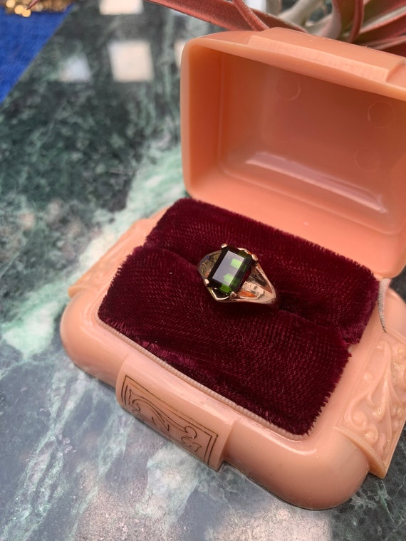 Vintage 14k Yellow Gold Deep Green Solitaire  Tou… - image 3