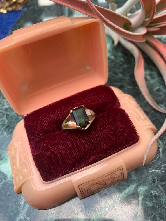 Vintage 14k Yellow Gold Deep Green Solitaire  Tou… - image 2