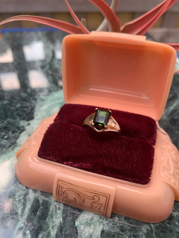Vintage 14k Yellow Gold Deep Green Solitaire  Tou… - image 4