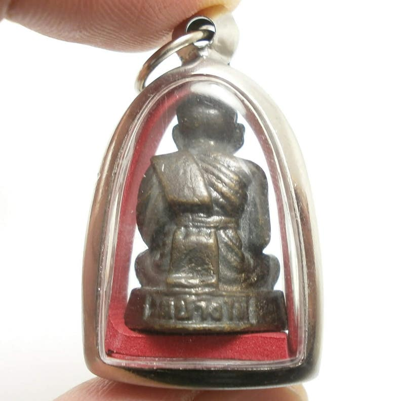 Thai Buddha pendant amulet lp tuad luang poo por thuad legend magical monk blessing to success in wish strong protection Thailand nice gift