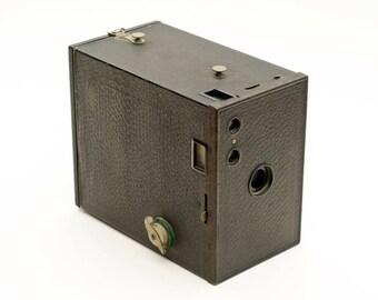 NO. 2A Model C Brownie Box Camera Vintage Antique
