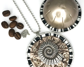 """upcycling snail*mediteran*Nespresso®Vertuo capsule*long necklace*medallion""""Jewelry""""Necklace*Gift*Birthday*Chain pendant*"""
