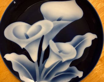 "Takahashi San Francisco Floral Plate with Cobalt background 7.5"" plate"