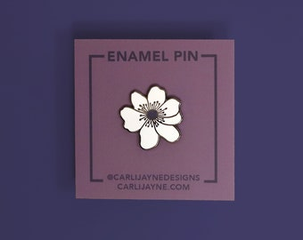 Anemone Flower enamel pin, poppy flower pin, flower enamel pin, Mother's Day gift idea, flower bridesmaid pin
