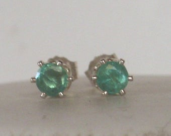 Genuine emerald stud Earrings - Earrings Post - Emerald earrings -statement earrings - silver earrings - may birthstone earrings