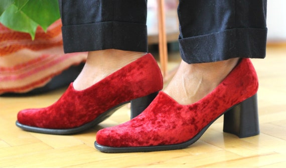 Velvet Shoes~Burgundy Velvet Vintage High Heels~Sq