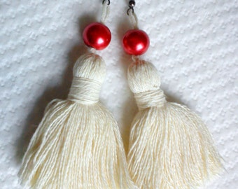 Beige Tuft Earring with Red Bead