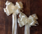 10 x Ivory wedding Church pew end bows with rose