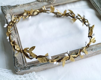 White gold crown Leaf crown Floral halo crown Boho wedding Gold headband Flower crown Gold hair piece White and gold headpiece Bridal crown