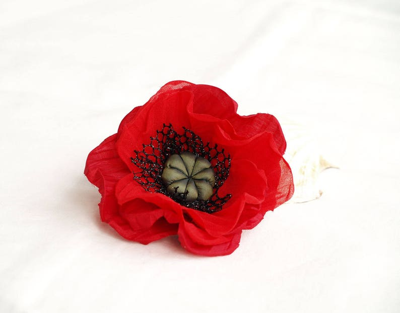 Red Flower Poppy Brooch, Poppy Head piece, Silk Flower Brooch, Red and  Black Hair Clip, Gift For Her, Red Millinery Flower, Gift for Mother