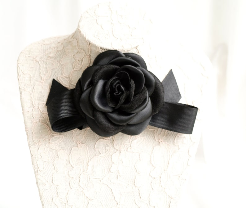 Camellias brooches with bow Black flower Black flower broach Camellia corsage pin Silk flower Bow brooch Camellia flower bow brooch