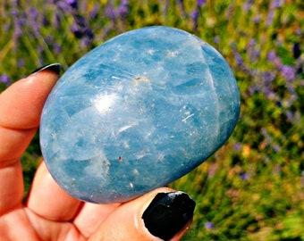 Love is eternal - Blue calcite palmstone