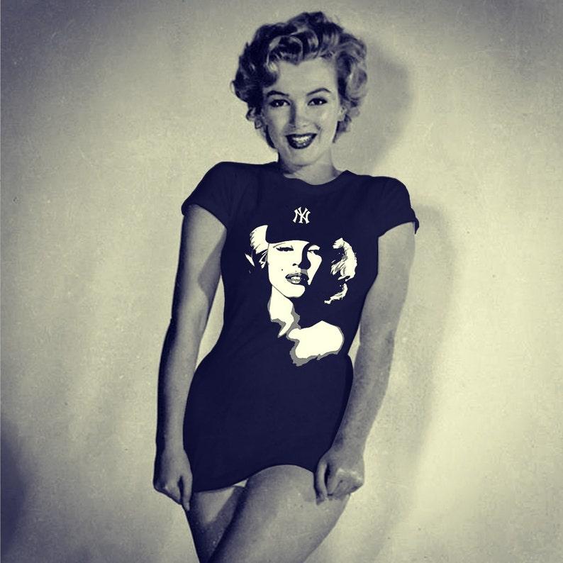 245cd62a40 Marilyn Monroe sport un Yankee NY Cap... New York inspiré des   Etsy