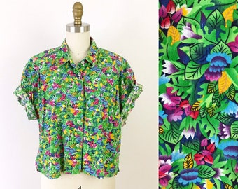3bd0e038 1980s Tropical Floral Crop Top / 80s Button Up Liz Claiborne Green Shirt /  Vintage LizWear Leaf Print Top