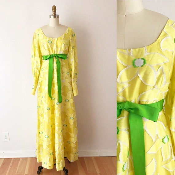 SIZE XS Vintage 1970s Buttercup Yellow Maxi Dress