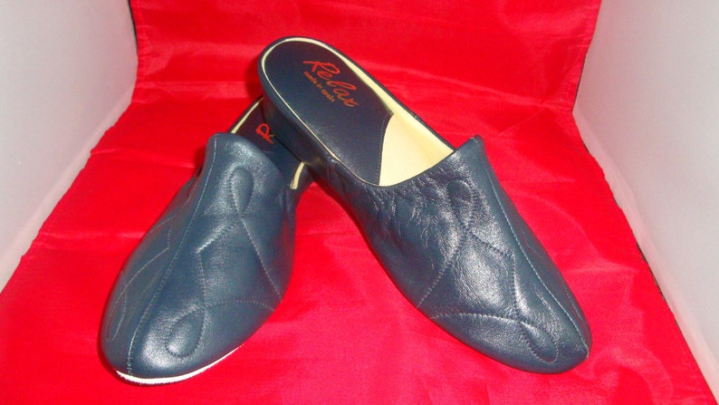 a79df87aa0654 Vintage Relax Classic Navy Leather Slippers/House Shoes Size 9