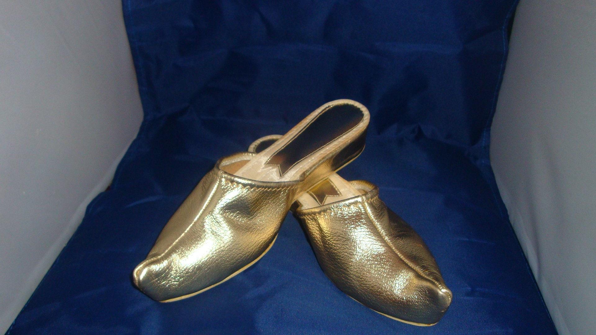 bca656b692c1e Vintage Bertlyn Newyork Gold Genie