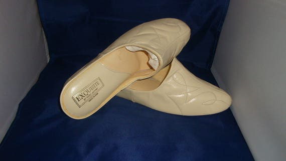 cd5374ca92830 Vintage Exquisite by Marc Anthony Classic Bone Leather Slippers/House Shoes  Size 9