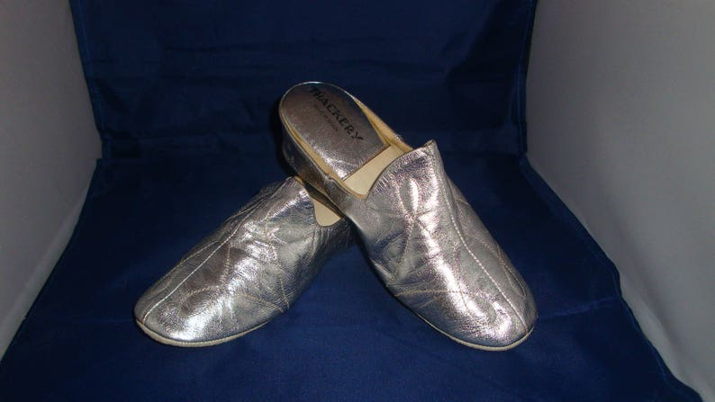cf15cb5e9e43f Vintage Thackery by Relax Classic Silver Leather Slippers/House Shoes Size 5
