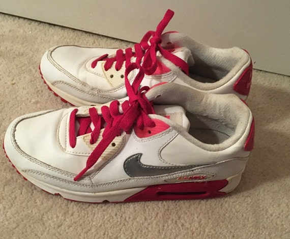 Vintage Nike Sneakers  Air Max  Size 6 1/2 Woman R