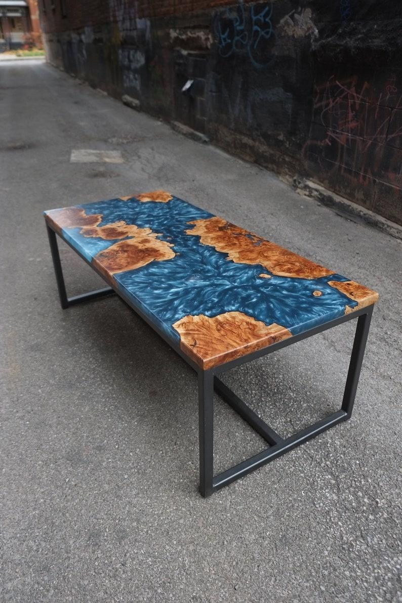 Table En Époxy Avec Base Résine Basse Acier Rivière De QrdoeECWBx