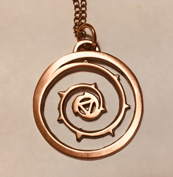 UPDATED PRODUCT! Roses/Stevens shield is one of the most important symbols in Steven Universe. The design is simple but unique. This necklace provides an elegant and subtle way to display your love of this show and its characters. The pendant is approximately 1.4or 35 mm in