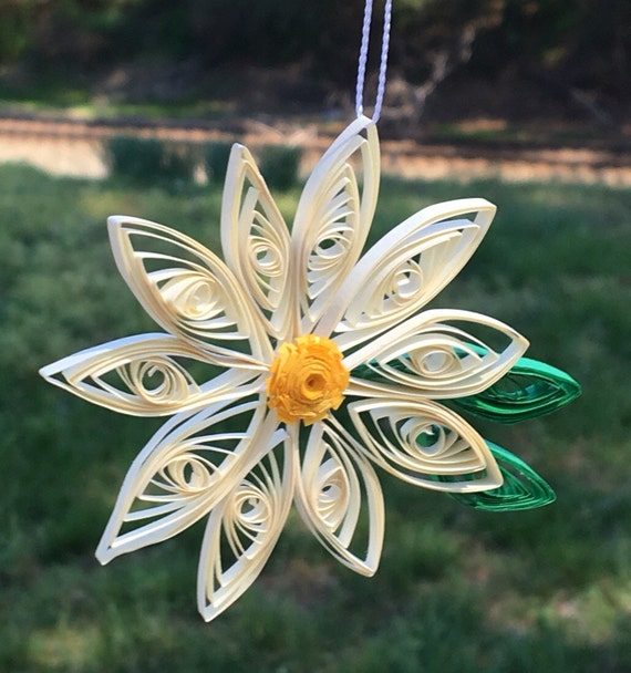 Handmade Quilled Daisy Window Ornament Decoration Suncatcher Flower