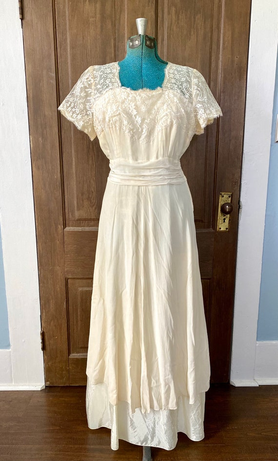 1940s Wedding Gown, vintage lace gown, 1940s gown,