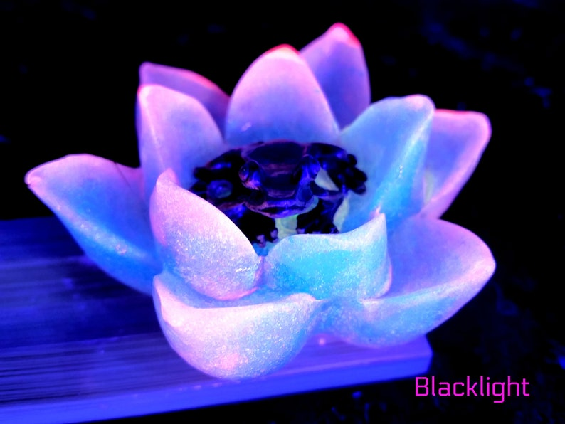 Aromatherapy Glow in the Dark Frog Lotus Water Lily Handmade Resin Art Stick Incense Burner Purple Incense Burner