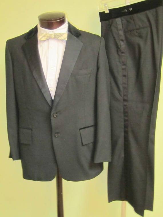 Vintage 70s Tuxedo, 1970s Tuxedo ,40Short tuxedo,