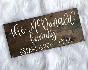 Family Name Sign // Last Name Sign // Wood Name Sign // Custom Name Sign // Established sign // Calligraphy Sign // Hand Written // 16x8 //