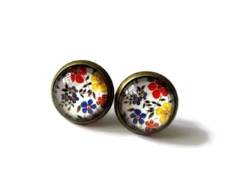 Flower studs, ear studs, post earrings, stud earrings, studs for teenagers, tiny studs, everyday earrings, friendship gift, mothers day gift