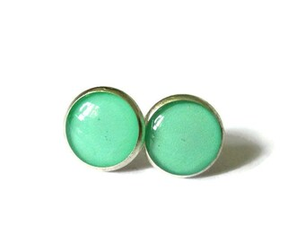 Sea green  earrings, sea green post earring, sea green jewelry, green stud earings, spring earrings, pop jewelry, bright color