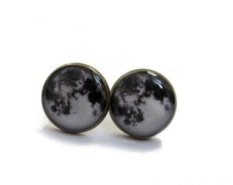 FULL MOON EARRINGS - moon earrings - moon stud earrings - moon jewelry - space - full moon jewelry - planet - moon posts - moon studs