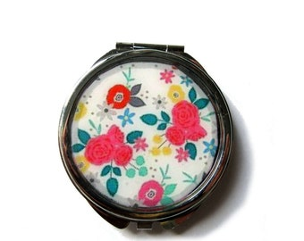Floral mirror, colorful vintage flowers, Pocket mirror, compact mirror, mirror, vintage floral design, Flower Mirror, resin, accessories