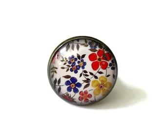 retro Floral Ring - Vintage flower jewelry - Statement Ring - colorful ring - color pop jewelry - Spring Jewelry - Adjustable - Under 10 USD