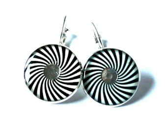 Spiral earrings - black and white geometric earrings - geometric dangle earrings - psychedelic jewelry - spiral jewelry - Hypnotic Spirals