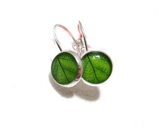 GREEN LEAF EARRINGS - Leaf studs -Tiny Dangle Earrings - spring jewelry - Nature Earrings - Green Earrings - Green Leaves