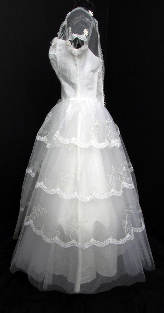 1950s Wedding Dress w Cap Veil Sz XS Vintage Floo… - image 6