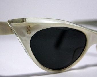 1960s Cateye Sunglasses Vintage Retro