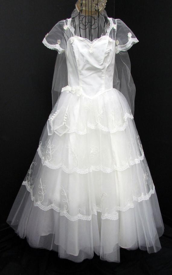 1950s Wedding Dress w Cap Veil Sz XS Vintage Floo… - image 2