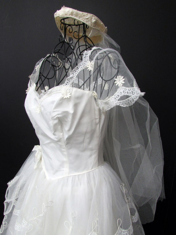 1950s Wedding Dress w Cap Veil Sz XS Vintage Floor