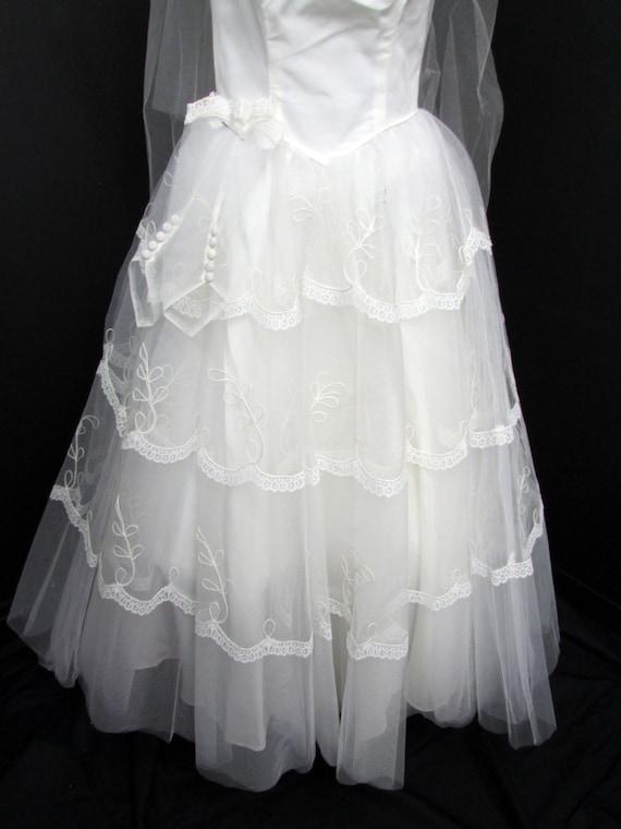1950s Wedding Dress w Cap Veil Sz XS Vintage Floo… - image 5