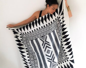 Onuma scarves- Black and white   Winter  scarf