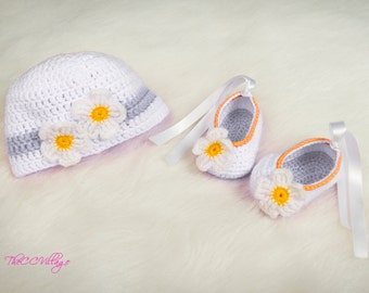 f99d62df5d7 Crochet baby hat and shoes set