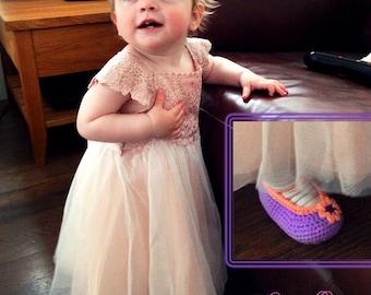 Purple handmade crochet baby girl shoes, Ballerina Baby Girl Crochet Shoes, Slippers crochet Baby shoes, peach flower