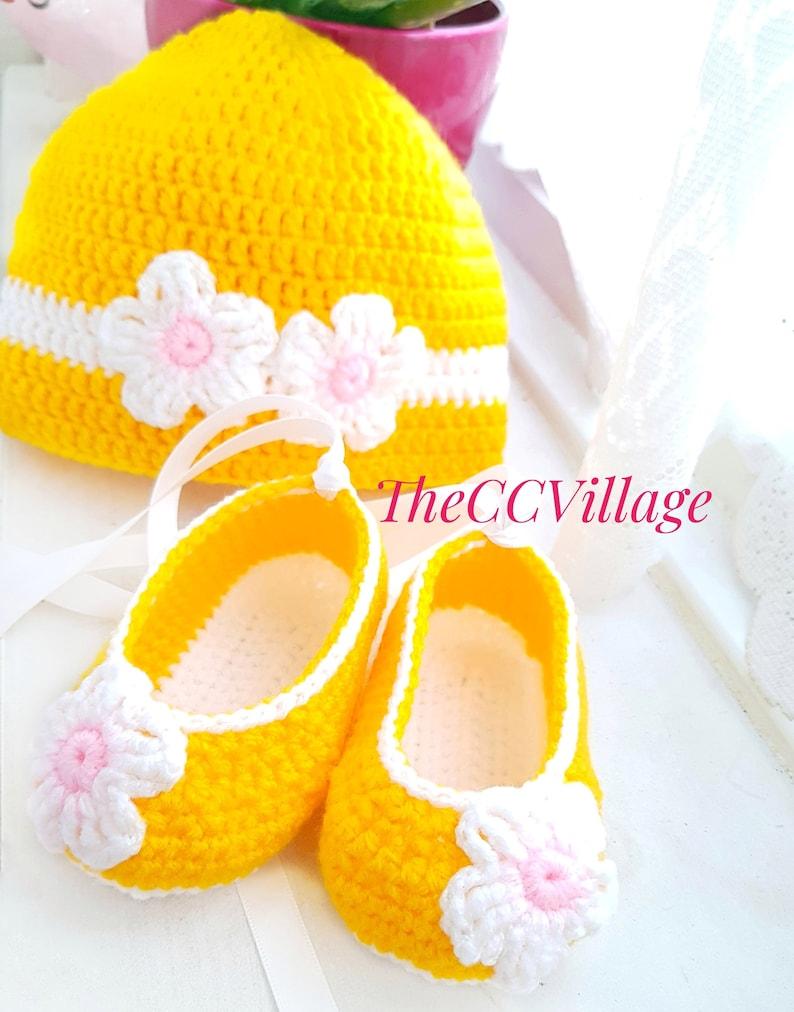 Yellow crochet baby girl shoes and baby hat set Crochet Baby image 0